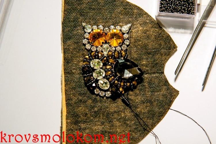 Вышивка броши Сова своими руками из фетра со стразами и бисером. Мастер Класс. Фото
