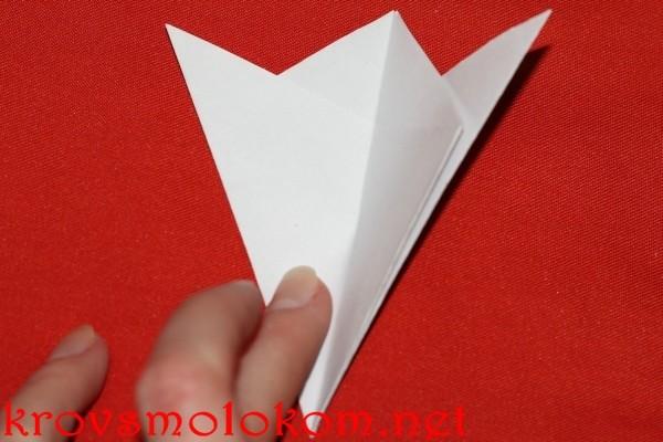 как вырезать шестиугольную снежинку